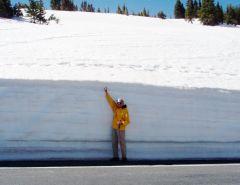 RMNP-SnowdriftAtRoadside-Dick.jpg