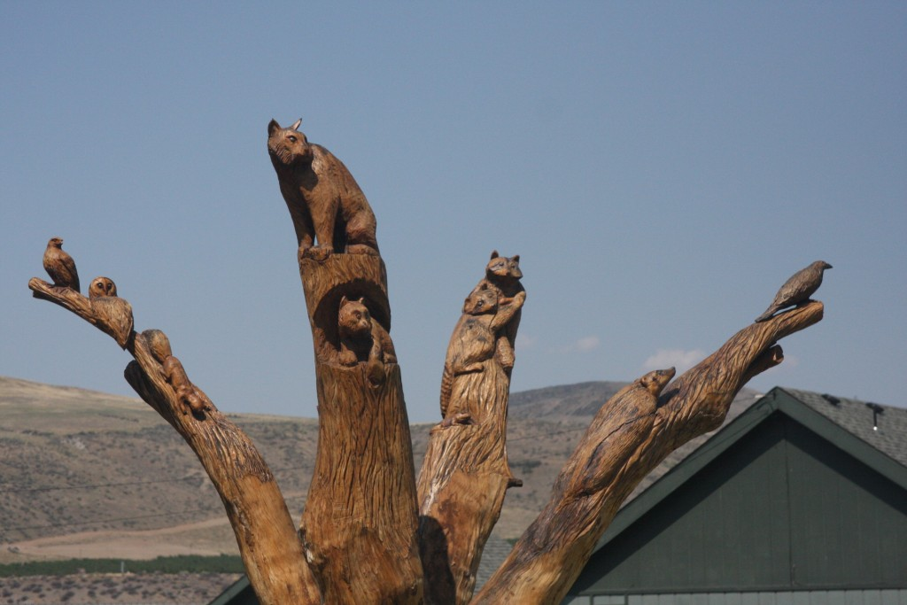 Tree Sculpture   Animals