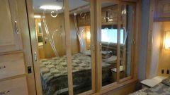 2002 Beaver Patriot Monticello - Closet Doors