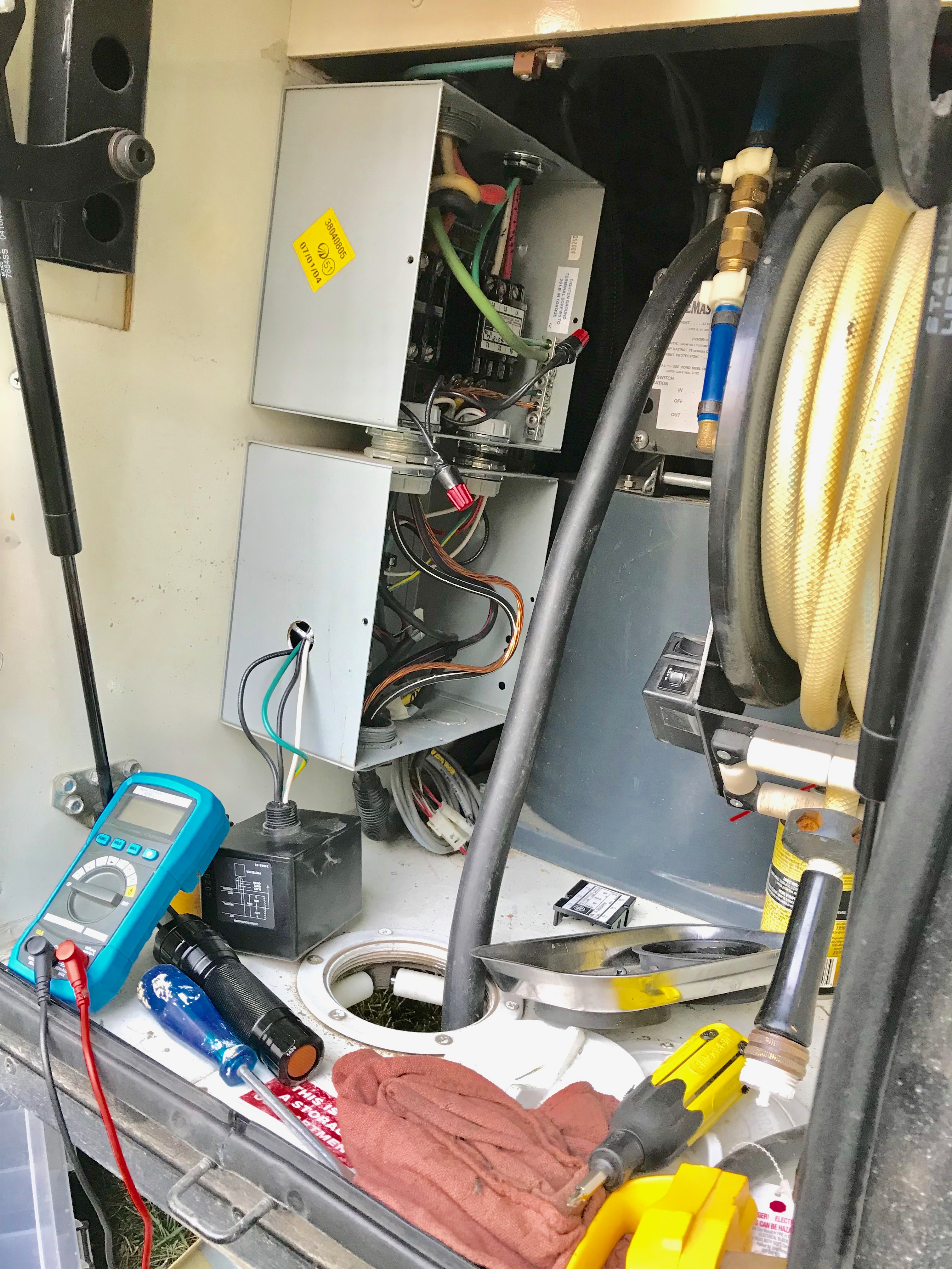 2005 42 Ft Monaco Dynasty Shore Power Cuts In And Out Electrical Rv Wiring Diagram Besides 50 Plug On Amp Img 6979